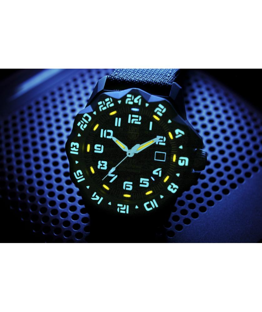Reloj Luminox F-117 Nighthawk 6421 44mm