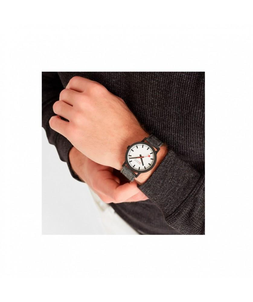 Reloj Mondaine Essence 41mm MS1.41110.LH