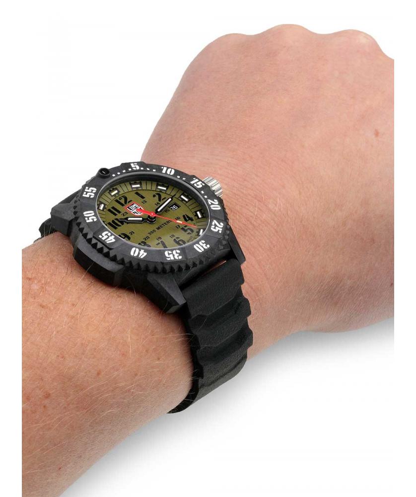 Reloj Luminox Master Carbon Seal 3813 46mm
